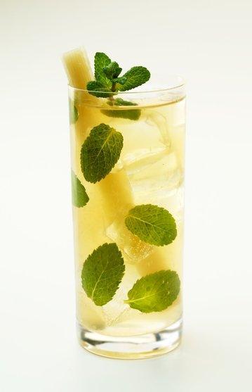 Rum: Nápoj námořníků i znalců
